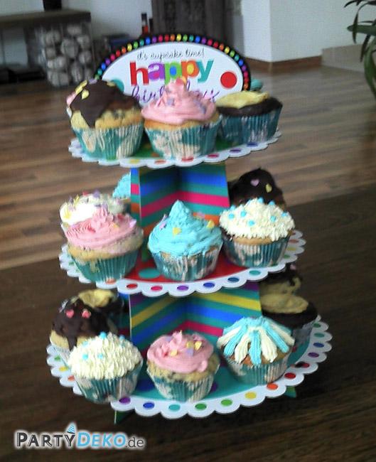 bunt best ckte cupcake etag re zum geburtstag partyfotos. Black Bedroom Furniture Sets. Home Design Ideas