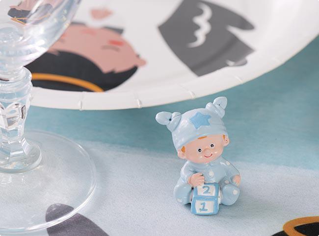Hellblaue Dekofigur süßes Baby