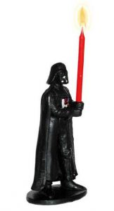 """Tortenfigur mit Kerze """"Darth Vader"""" 10 cm"""