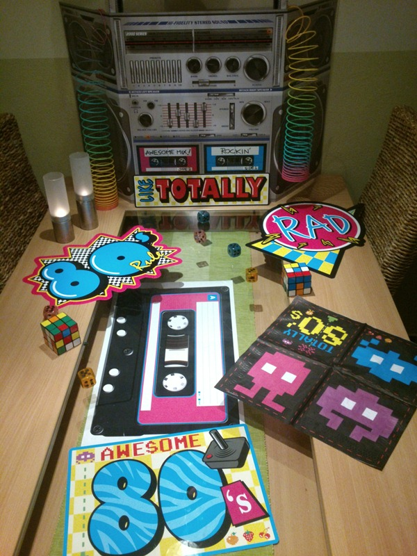 geburtstagsparty im 80 s style partyfotos unserer kunden. Black Bedroom Furniture Sets. Home Design Ideas