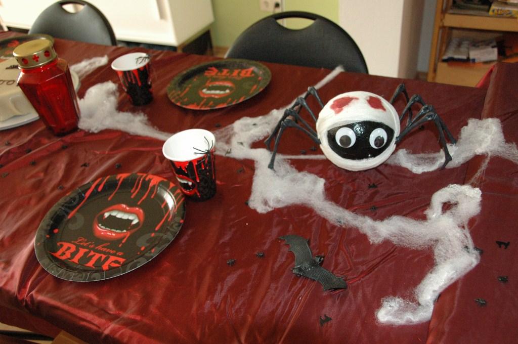 schaurig sch ne grusel party partyfotos unserer kunden. Black Bedroom Furniture Sets. Home Design Ideas